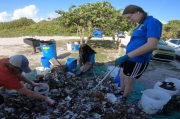 Museum of Discovery and Science - Beach Clean-ups 2021
