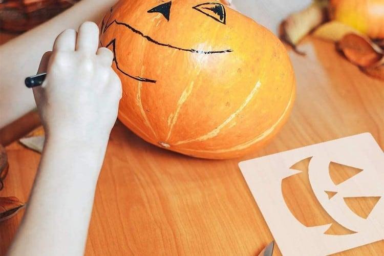 Design a Pumpkin With A Stencil
